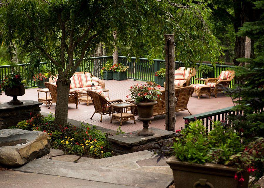 The deck at Deer Mountain Inn